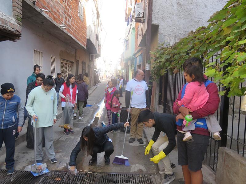 """Proyecto Kizuna """"Limpieza por Japón"""". Foto: Japón Hoy"""