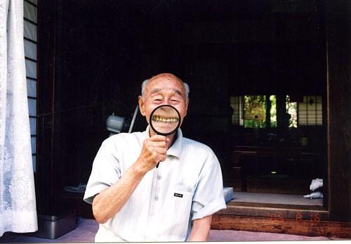 """Parte de la serie de fotos """"Long Live Grandpa!"""