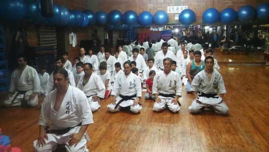 Foto: Escuela Shorinryu Kyudokan. Durante una clase en el dojo.