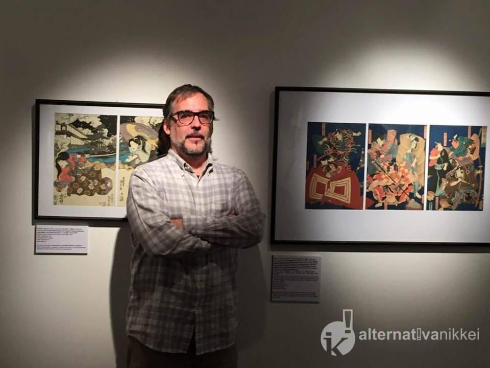 "Amaury Rodríguez en la muestra de ""Aires de kabuki"". Foto: Nahuel Murru/Alternativa Nikkei"