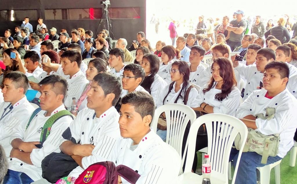 Alumnos del Intituto Gastronómico Senati - Lima, Perú (FOT: Mario Guardia-Hino G.)