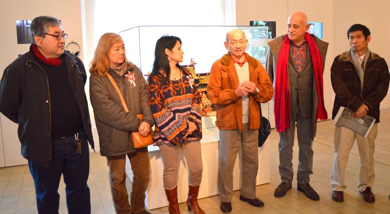 (Izq a Der.) Roberto Yamakata, María Toda, Celia de la Fuente, Ernesto Kimura (Pdte. de AJA) Aníbal Jozami (Dir. del Museo), Furukawa Yoshikazu (Cónsul del Japón). Foto gentileza de Rojas Juan.