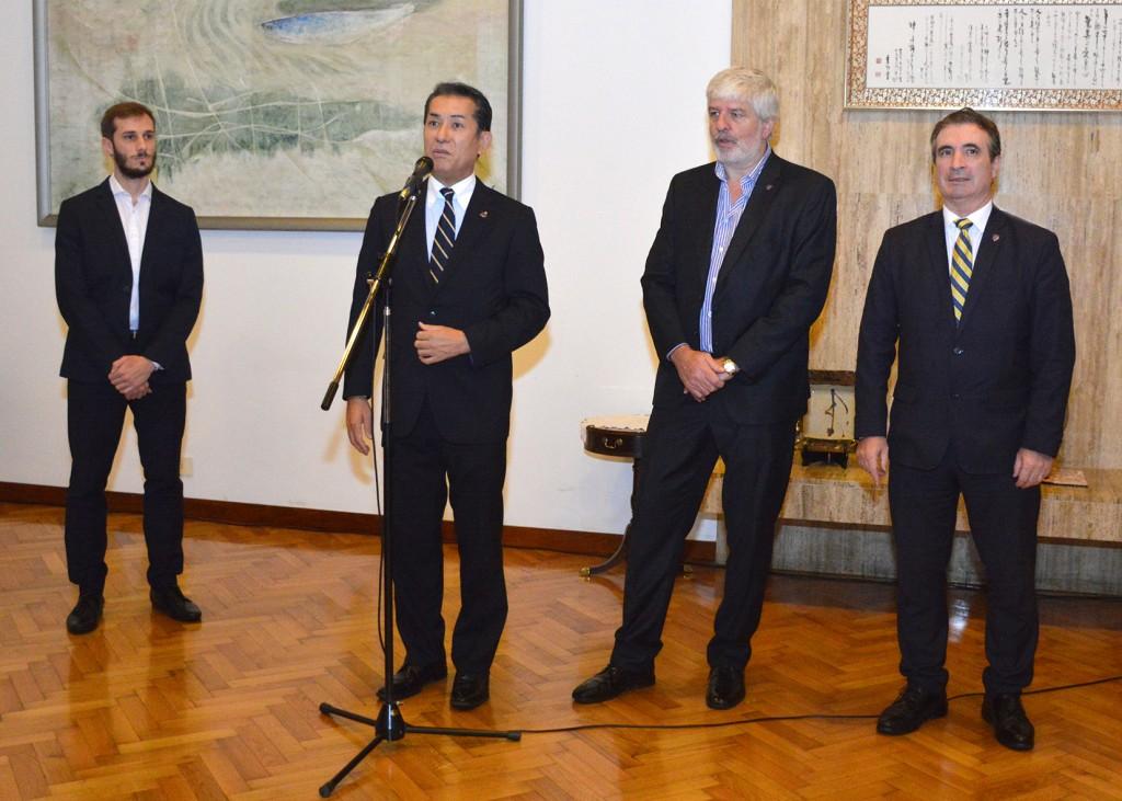 El Embajador del Japón, Dn. Noriteru Fukushima, brinda unas palabras a los invitados. Foto: Adrián Higa