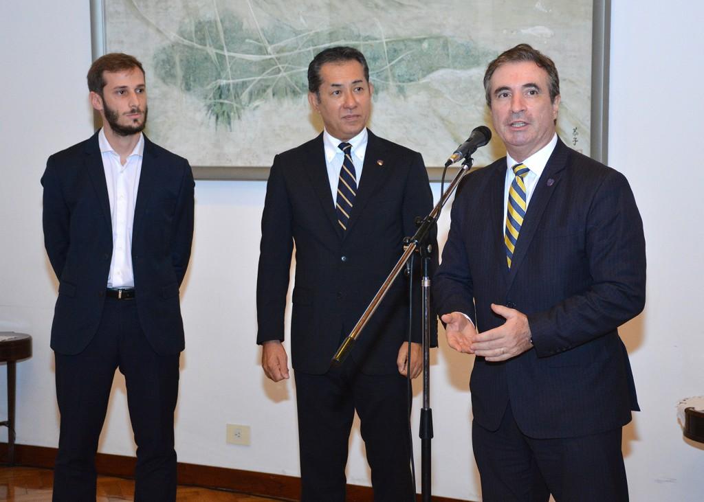 Pedro Orgambide, Secretario de Actas de Boca Juniors, agradece la invitación y comenta las experiencias en Japón. Foto: Adrián Higa