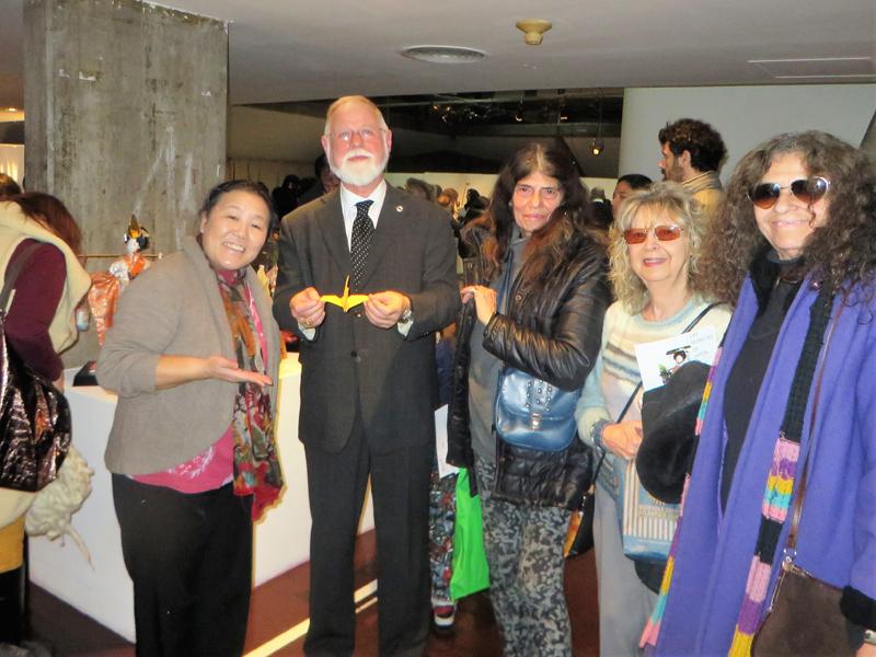 Tomoko Aikawa con Alberto Manguel. Foto: Tomoko Aikawa.